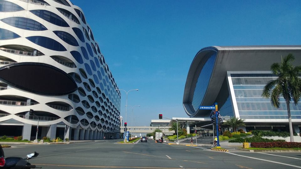 Shot of MOA Arena (right side) taken by Sonnie Santos using Lumia 920