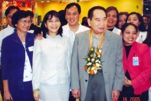 10 Secrets Of Henry Sy's Success